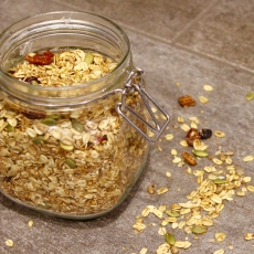 Maple Pecan Toasted Granola (Low FODMAP)
