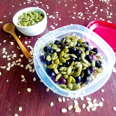 Overnight Oats with Blueberries & Pepitas